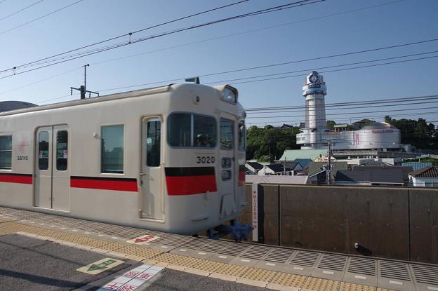 s8028_山陽電鉄普通東須磨行人丸前駅入線と明石市立天文科学館