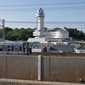Photos: s8045_JR山陽本線上り快速と明石市立天文科学館_人丸前駅から