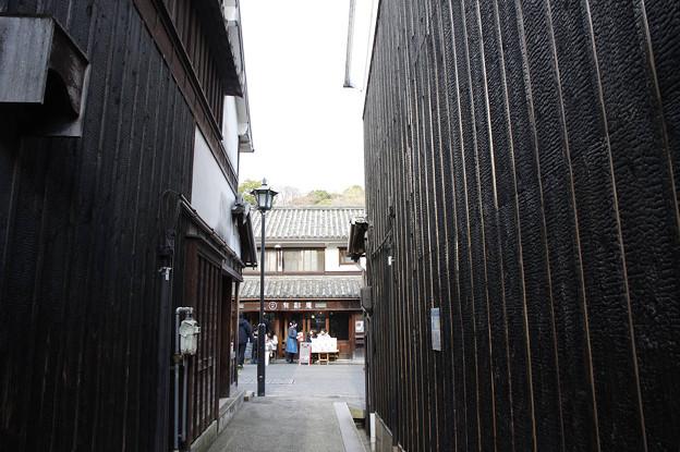 Photos: s3649_倉敷美観地区_焼杉黒壁