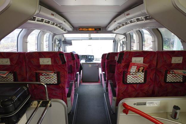 s4835_JR東クハ251-4車内_運転台後部の座席