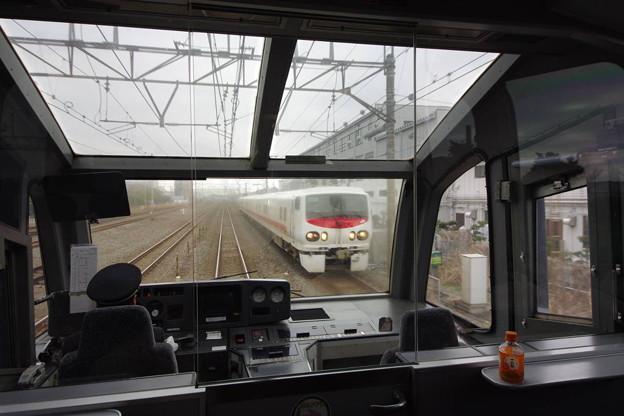 Photos: s4908_東海道本線前面車窓_藤沢~大船_下りJR東E491系East i-E検測車
