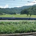 Photos: s8139_上越線車窓_越後中里駅脇客車休憩所_t