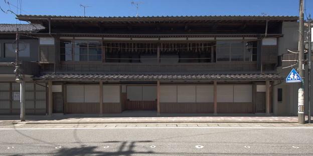 Photos: s8479_村上市吊るし鮭のある小屋_bc