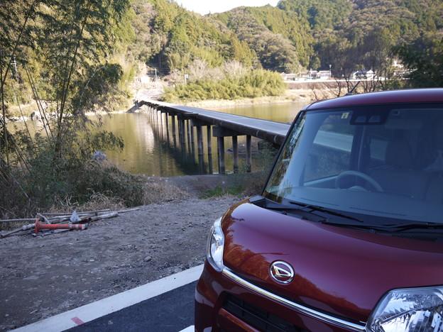 仁淀川沈下橋。