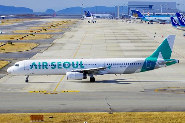 AIR SEOUL HL7790
