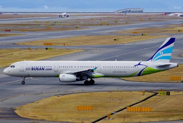 AIR BUSAN HL8072