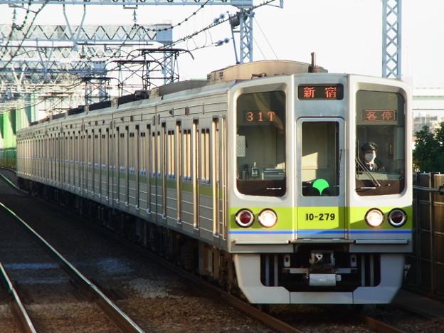 都営新宿線 普通新宿行 RIMG5316