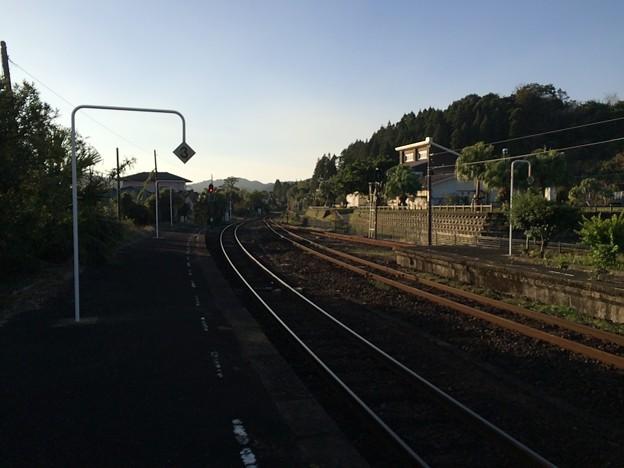 青島駅から油津・志布志方面を望む
