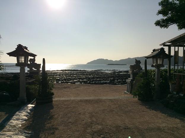 青島神社から見える鬼の洗濯岩