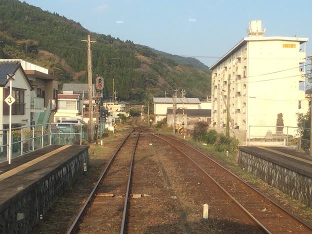 大堂津駅にまもなく停車