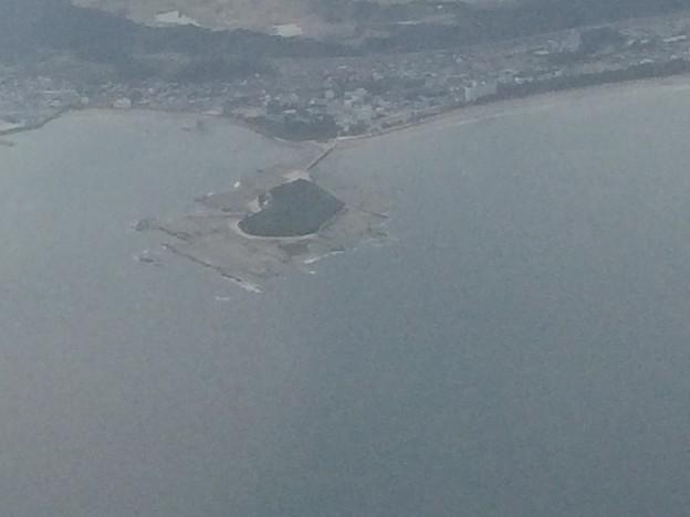 飛行機から青島が見える2