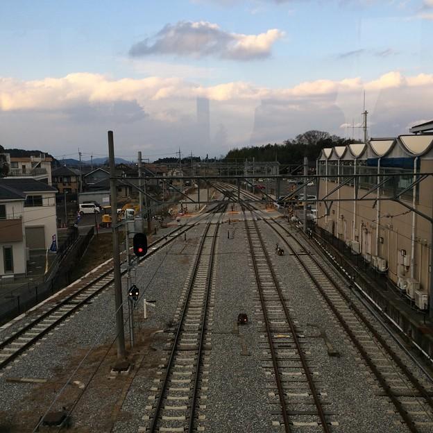 八日市駅から米原方面を望む