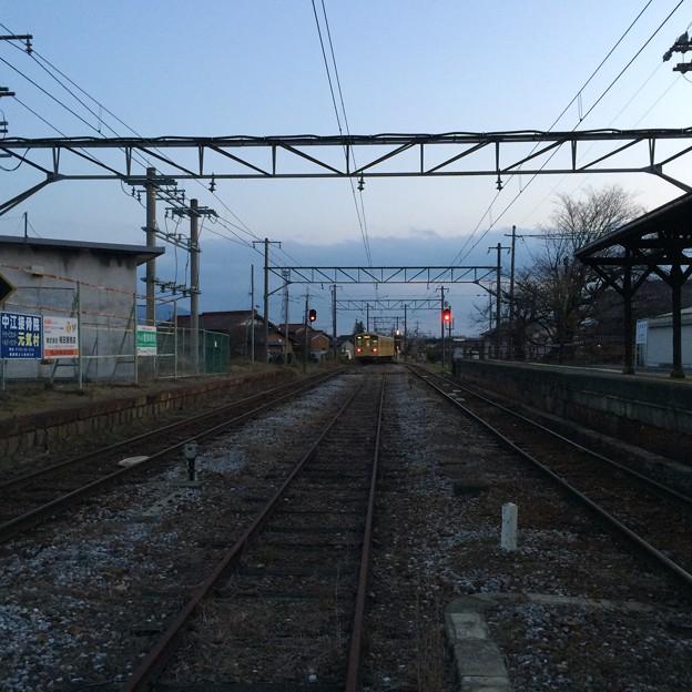 高宮駅を発車した八日市方面普通電車