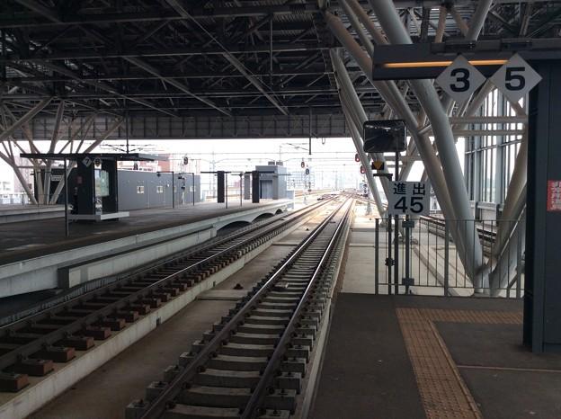 旭川駅より美瑛・富良野方面を望む