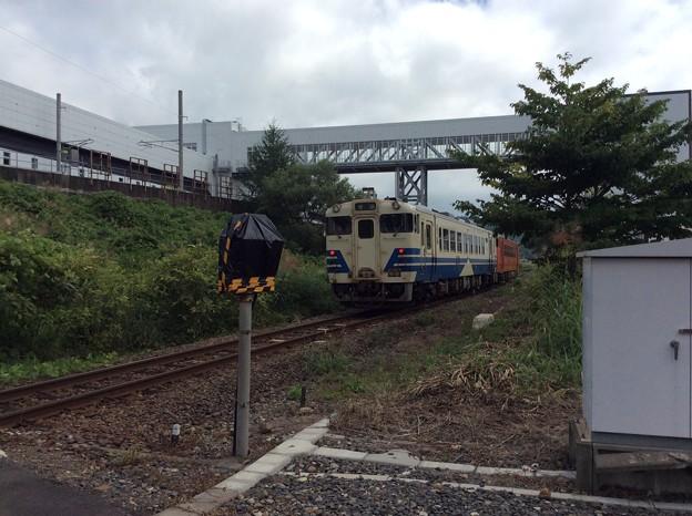 発車して蟹田・青森方面へと向かう列車