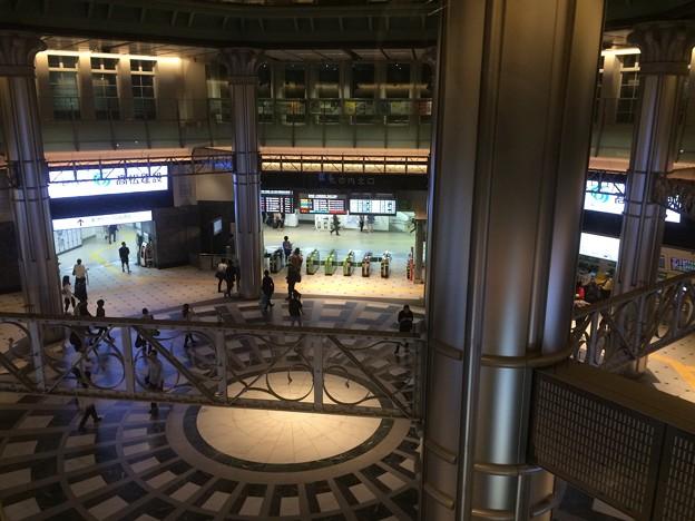 東京駅改札口 2階から