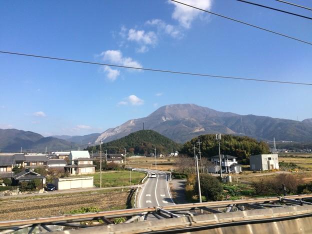 新幹線から見える伊吹山2