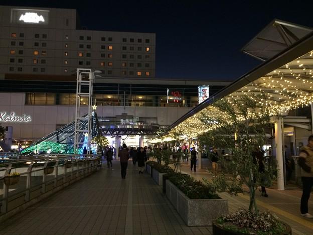 夜の豊橋駅前