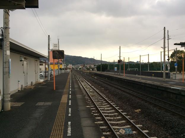 Photos: 志度駅から徳島方面を望む