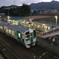 Photos: 引田駅にてすれ違い