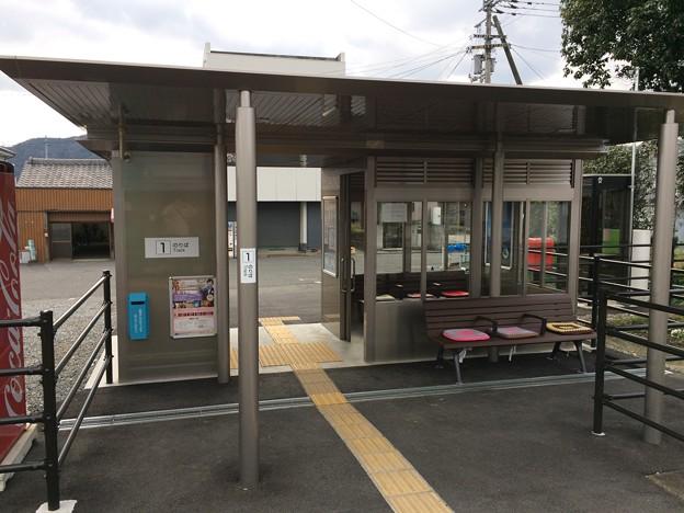 牛島駅 駅舎