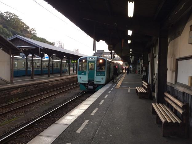 鳴門行き普通列車 1番線に停車中