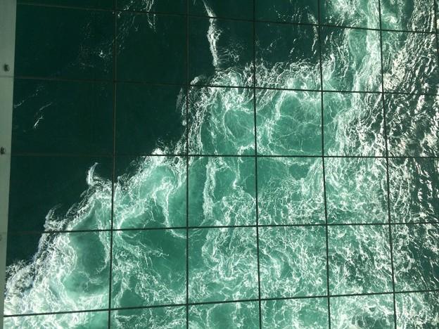 鳴門海峡の渦潮3