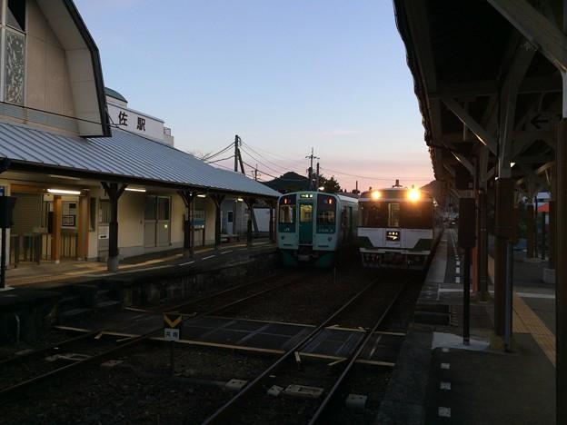 Photos: 日和佐駅に特急むろと徳島行き停車
