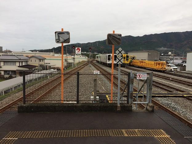 安芸駅から後免・高知方面を望む