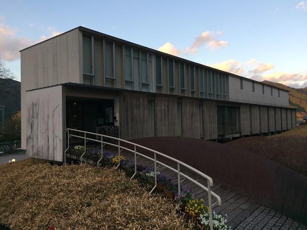 Photos: 詩とメルヘン絵本館