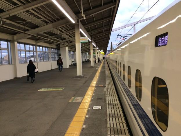 相生駅に停車 ~新大阪方面を望む~