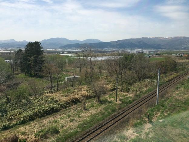 藤城支線から新函館北斗駅を望まんとする