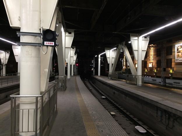 難波駅ホーム2