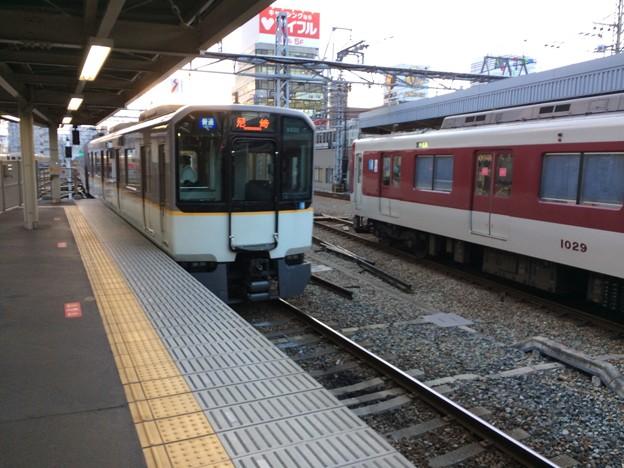 阪神電鉄尼崎駅に到着