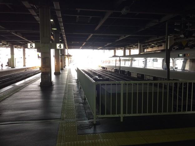 金沢駅より高岡・七尾方面を望む