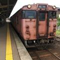 氷見駅に停車中の高岡行き普通列車