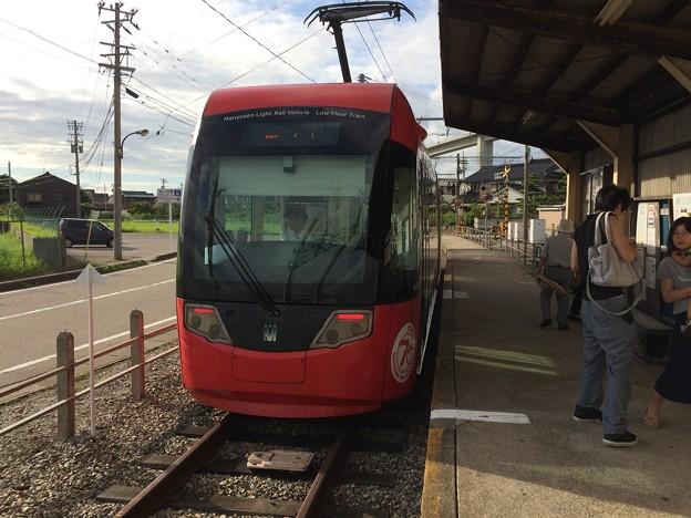 越ノ潟駅に到着