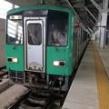 2番線に停車中の普通列車猪谷行き