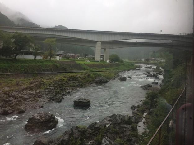 長良川の流れ13