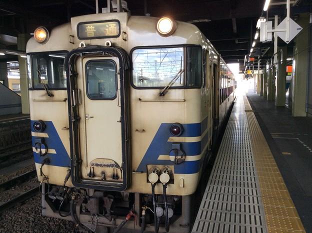 深浦行き 発車前