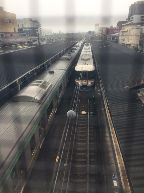 沼津駅 朝 ホームライナー