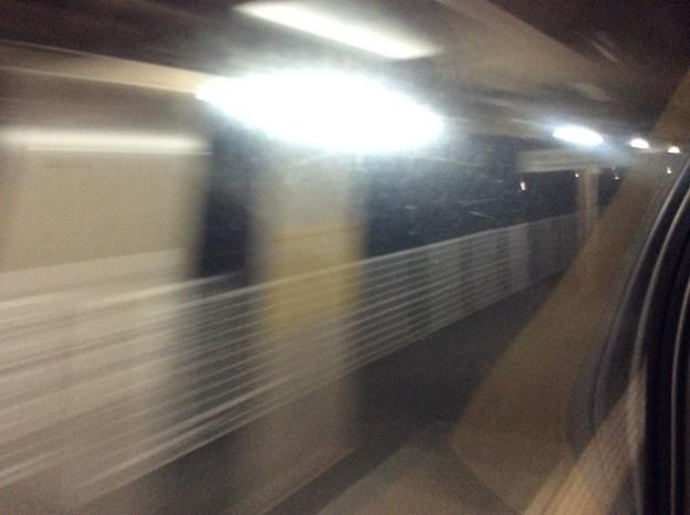 Photos: 寝台特急サンライズ瀬戸 駅通過