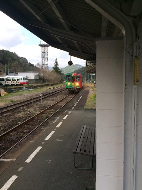 Photos: 江川崎駅14 ~ホビートレイン入線~