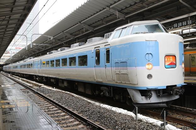 189系 M50編成(あずさ色) ホリデー快速富士山