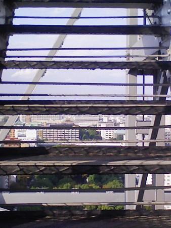 081027-テレビ塔 階段 (4)