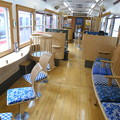 写真: 富士急電車車内