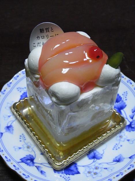 モモ花のケーキ