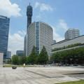 写真: 美術の広場公園からメディアタワー方向