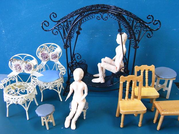 人形用のミニチュア椅子