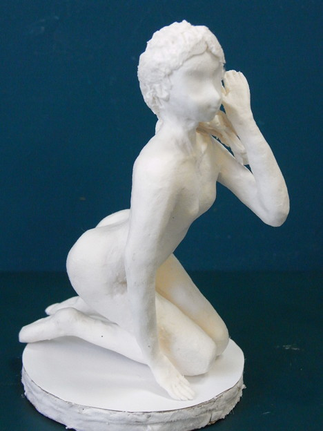 紙粘土人形裸婦2横